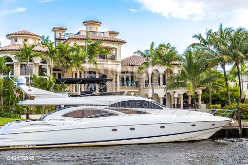 FORT LAUDERDALE, USA - AUGUST 30, 2014 : Luxury mansion in exclusive part of Fort Lauderdale known as small Venice on August 30, 2014 in Fort Lauderdale