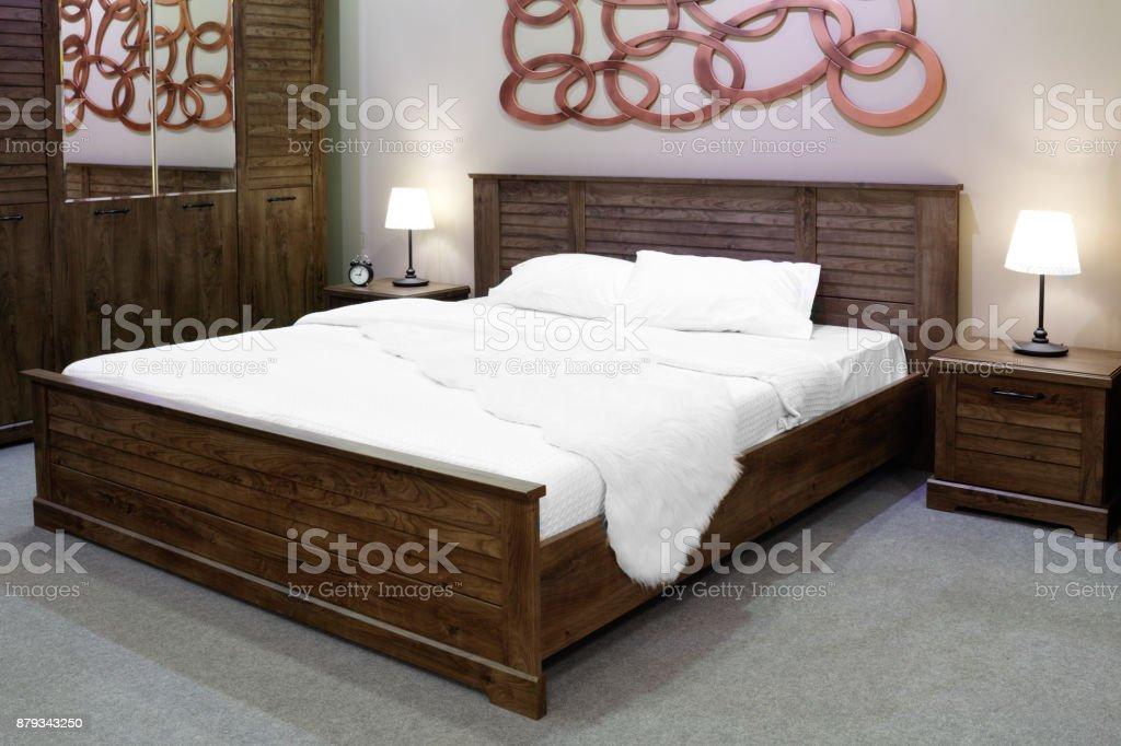 Luxus Aus Holz Und Modernen Landhausstil Schlafzimmer In ...