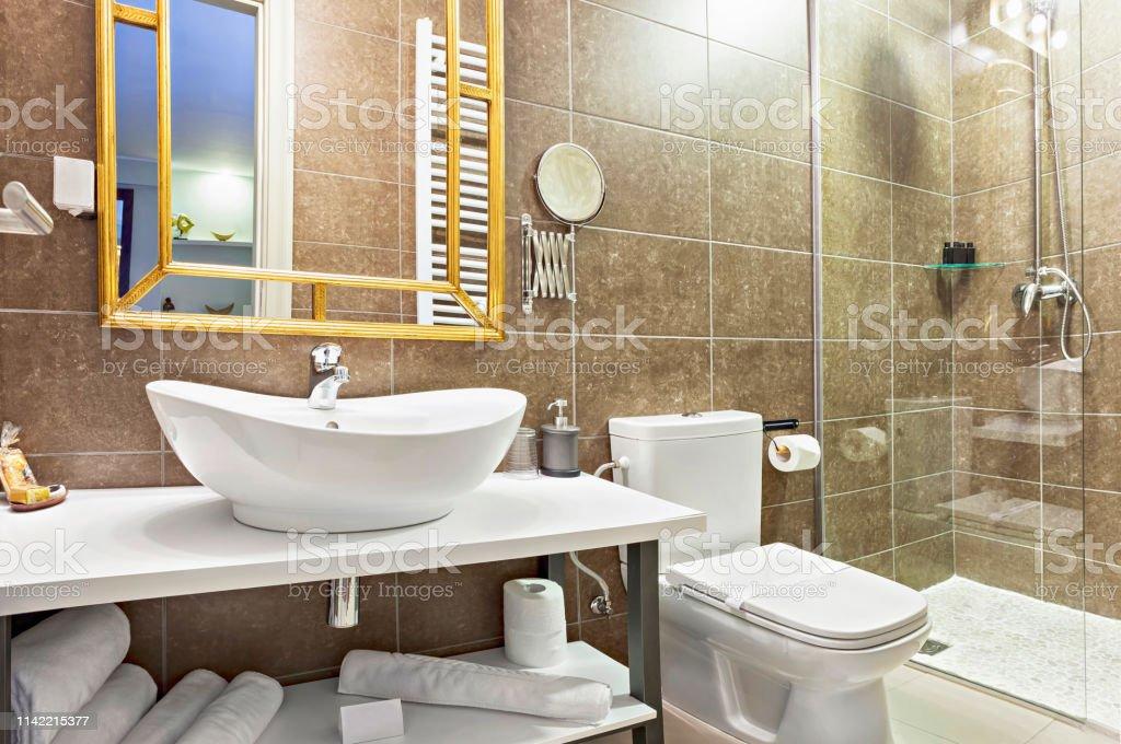 Photo libre de droit de Luxe Moderne Salle De Bain ...