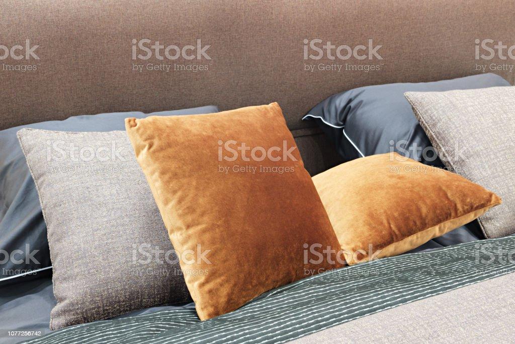 Luxus Modernen Stil Schlafzimmer Und In Grau Rosa Braun Und ...