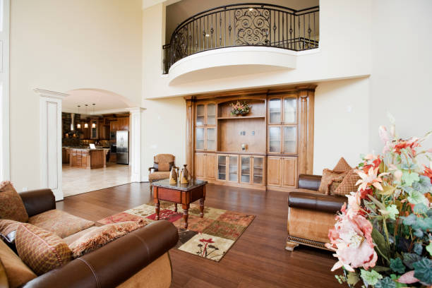neue luxus-home interior mit individuellen entertainment center professionell gestaltete - vitrinenschrank stock-fotos und bilder