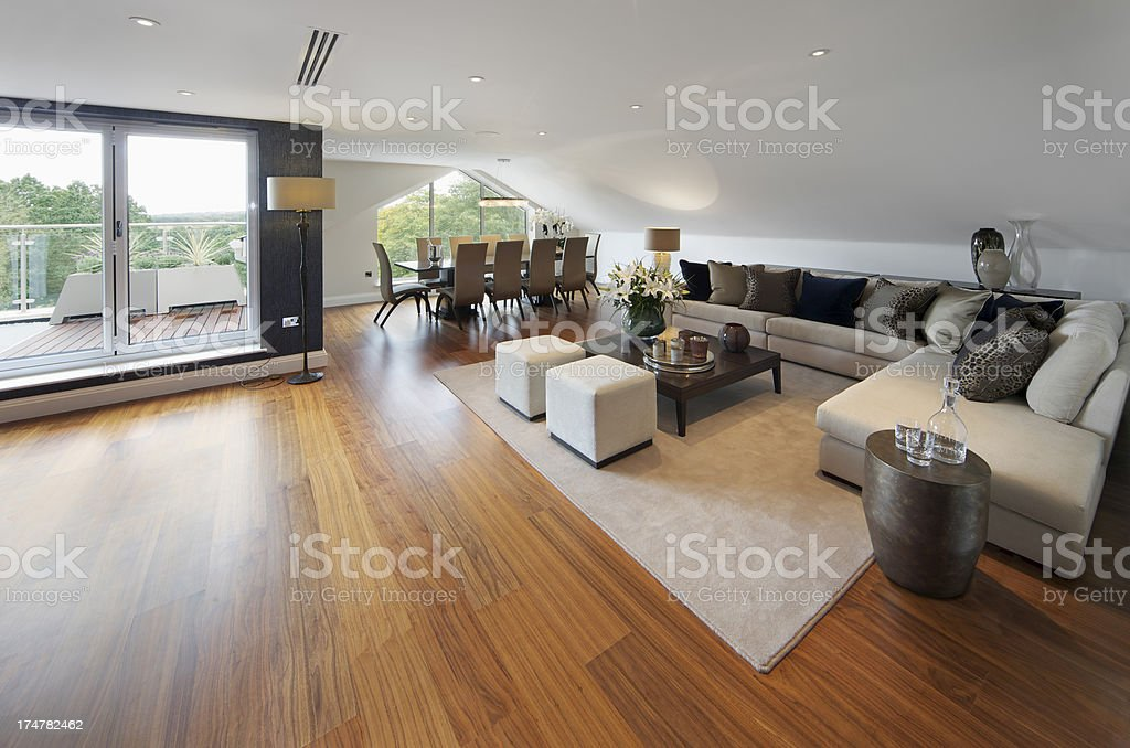 Foto De Luxury Penthouse Restaurante E Lounge E Mais Fotos De Stock De Abajur Istock
