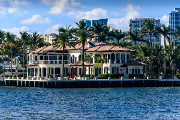 Luxus-Immobilien auf dem Intercoastal Waterway – Foto