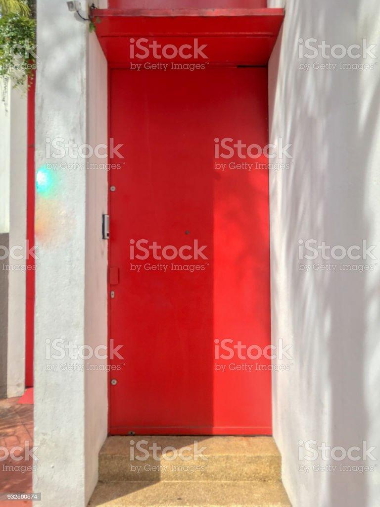 Porte D Entrée Rouge photo libre de droit de porte dentrée métal luxe rouge