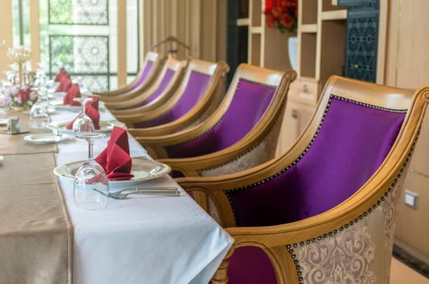 luxus-restaurant-satz - hai party lebensmittel stock-fotos und bilder