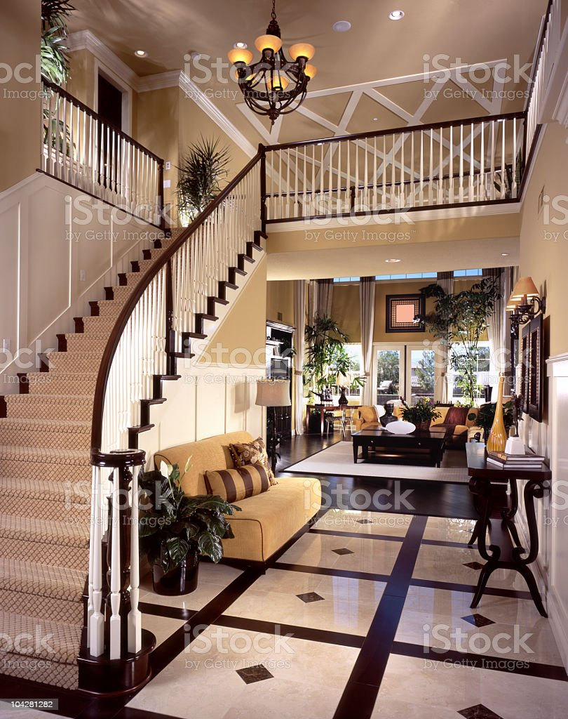 Escalier Dentrée De Design Intérieur De Luxe Comme à La Maison ...