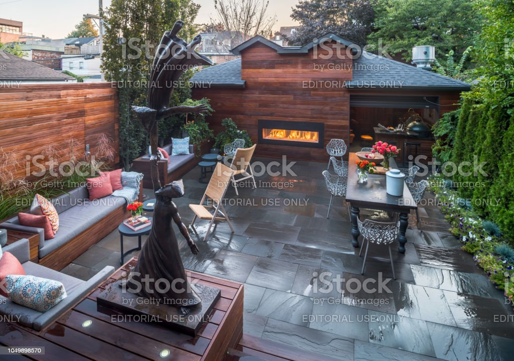 Luxury Urban Home Backyard Exterior Stock Photo More Pictures Of