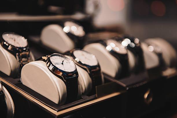 luksusowe zegarki - akcesorium osobiste zdjęcia i obrazy z banku zdjęć