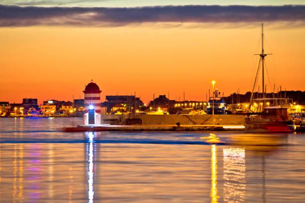 luxus-yachten in zadar abend hafenblick, dalmatien, kroatien - segelhandschuhe stock-fotos und bilder