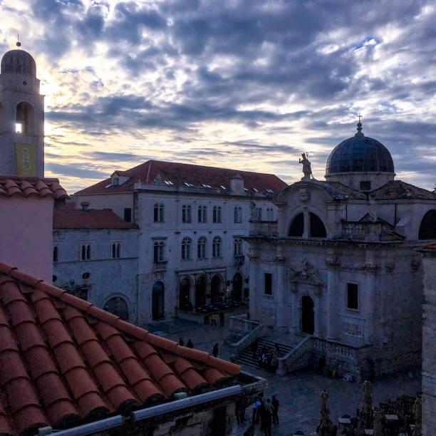 ルザ Square_St ブレイズ教会と鐘楼クロアチア ・ ドブロブニク旧市街 ストックフォト