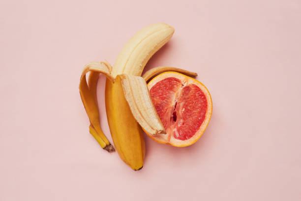 ich bin bananen über dich babe - sinnlichkeit stock-fotos und bilder