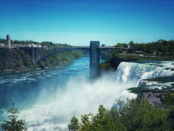 I'm falling for you America-Canada Border rainbow bridge ontario stock pictures, royalty-free photos & images