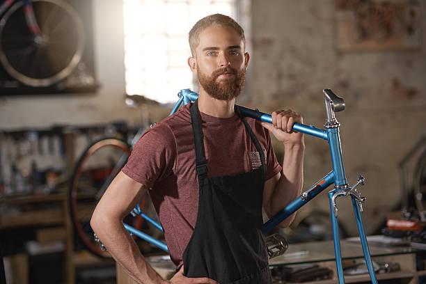 estoy orgullosa de este comercio - bastidor de la bicicleta fotografías e imágenes de stock