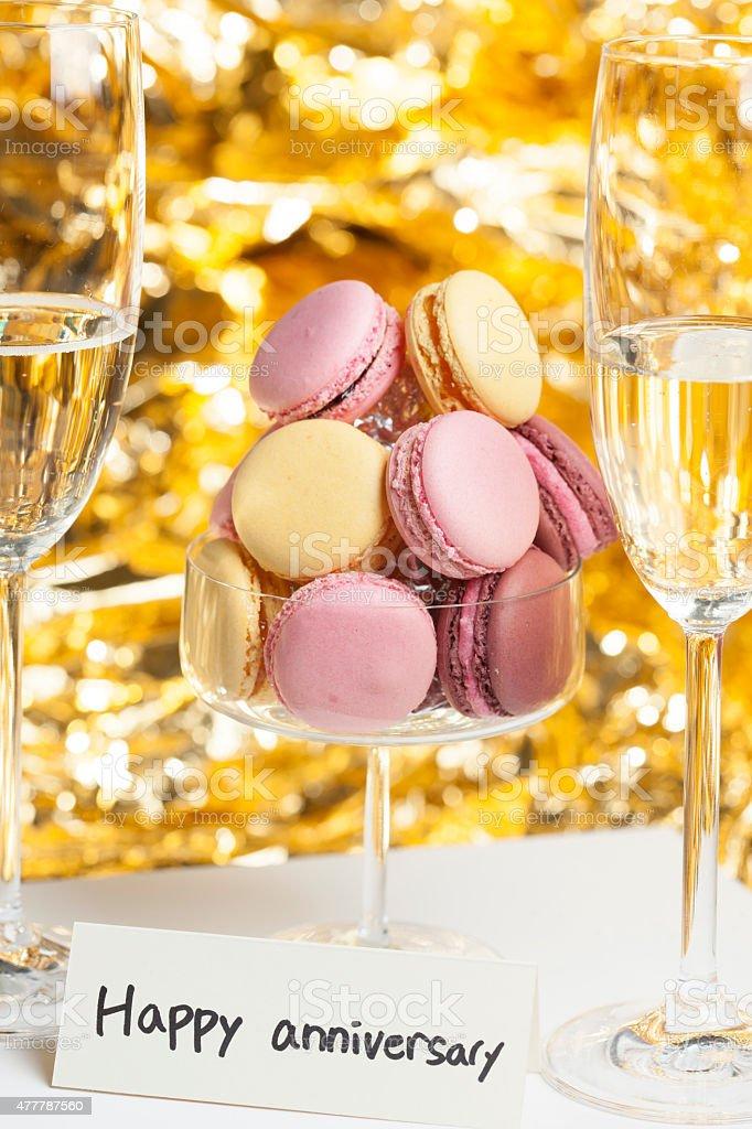 Très Photo de Macarons En Verre Avec Des Lunettes Joyeux Anniversaire  DW43
