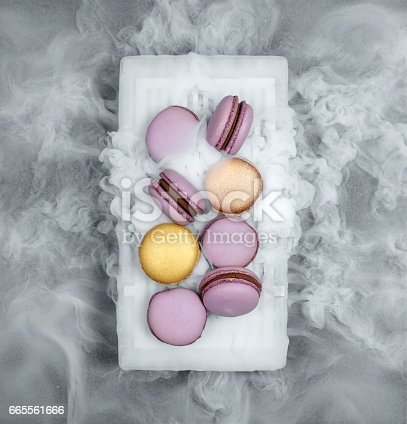 Macarons with dry ice