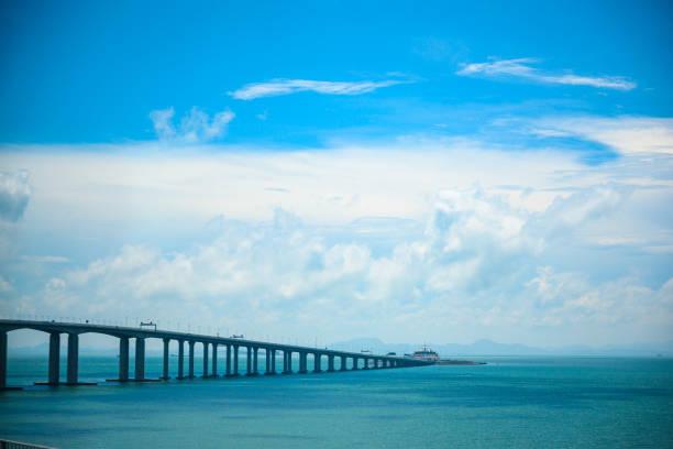 macau köprüsü, asya'nın en uzun köprüsü - guangdong i̇li stok fotoğraflar ve resimler