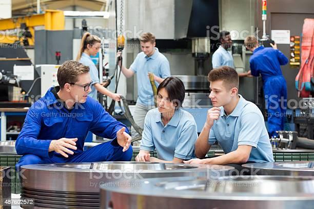 Maschine Fabrik Arbeiter Stockfoto und mehr Bilder von Auszubildender
