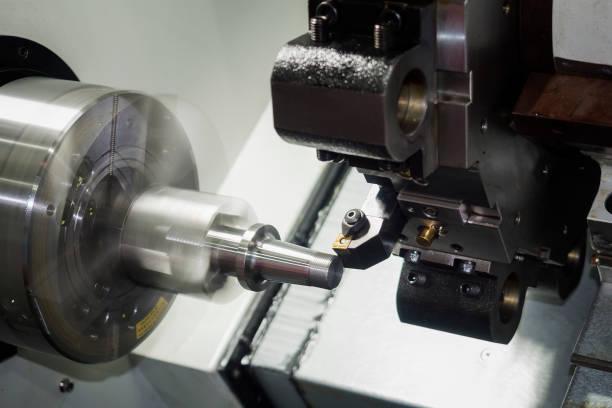 Mecanizado CNC de automoción parte por giro de la máquina - foto de stock