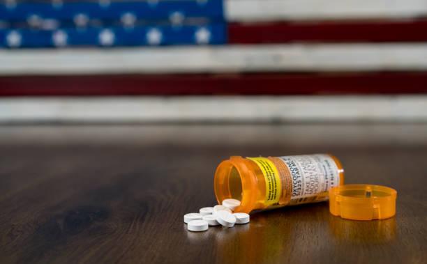 Macro of oxycodone opioid tablets - foto stock