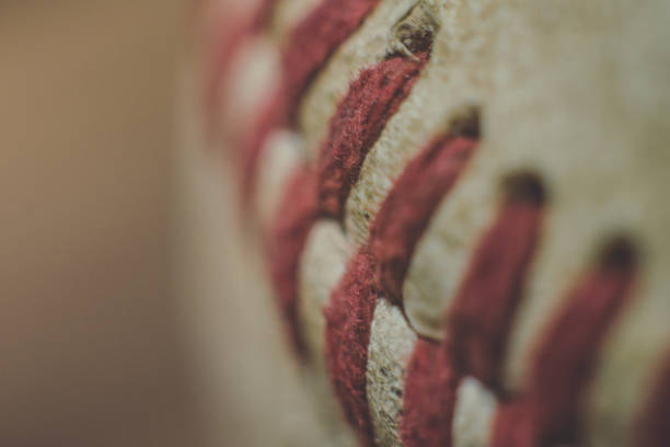 在棒球上的宏觀紅色接縫 - baseball 個照片及圖片檔