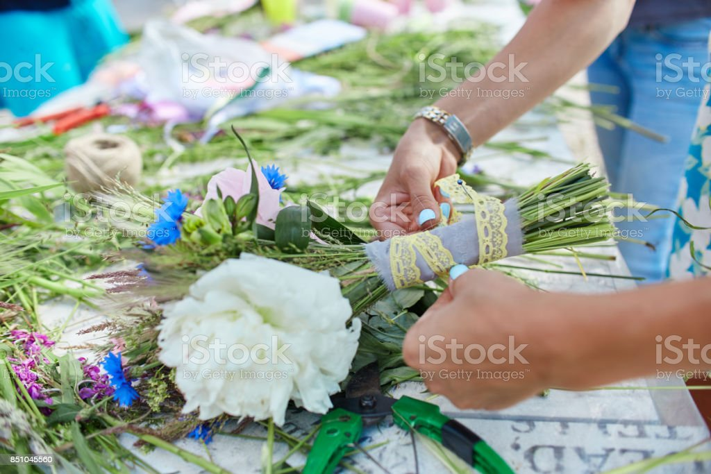 Made with your own hands. Master class on making bouquets....