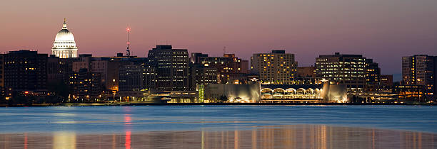 Madison skyline at twilight  madison wisconsin stock pictures, royalty-free photos & images