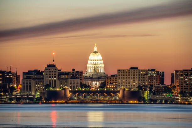 Madison Sunset Glowing Sky at Sunset madison wisconsin stock pictures, royalty-free photos & images