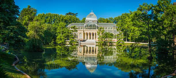 Madrid Palicio de Cristal Retiro Park ruhigen See panorama Spanien – Foto
