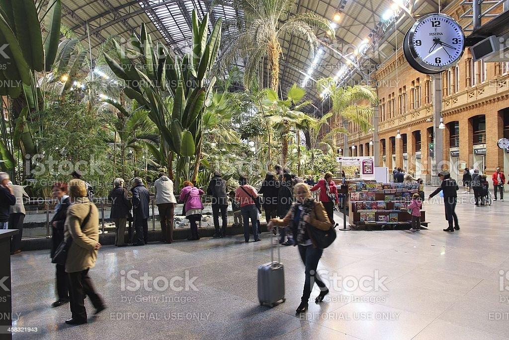 La estación de tren de Madrid - foto de stock