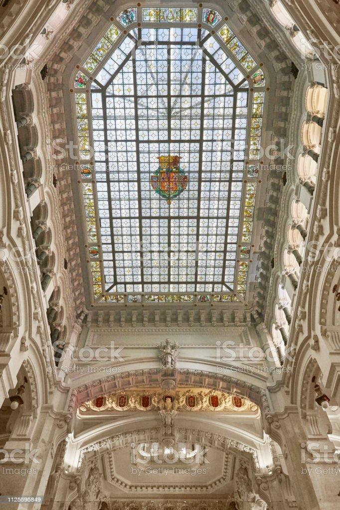 Madrid-Rathaus Wahrzeichen mit gefärbten Dach. Spanien – Foto