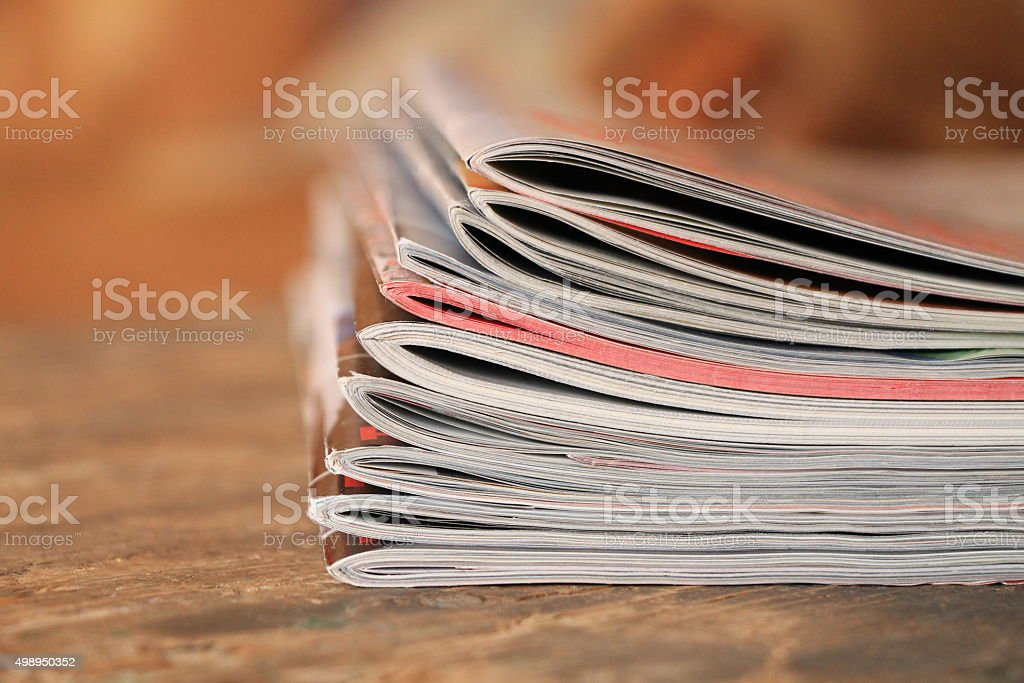 Magazines on the wooden table - Royalty-free Ahşap Stok görsel
