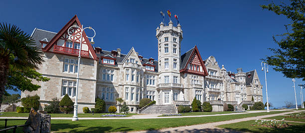 Magdalena Palace, Santander The Palacio de la Magdalena is an early 20th-century palace (owned by the city) santander spain stock pictures, royalty-free photos & images