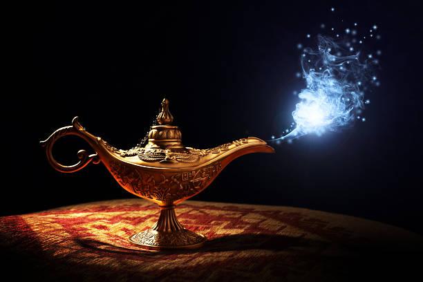 magic aladdins flaschengeist lampe - verwandlungskissen stock-fotos und bilder