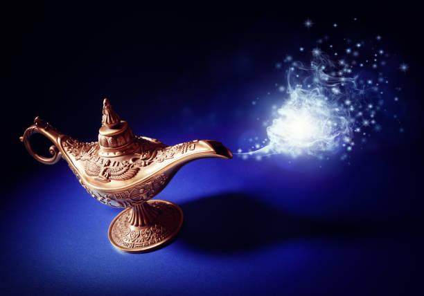 genio de la lámpara mágica aladdins - buena suerte fotografías e imágenes de stock
