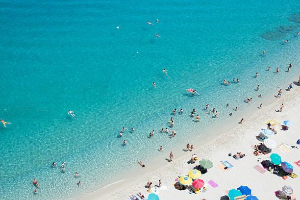 magic beach in tropea, calabria, italy - foto di tropea foto e immagini stock