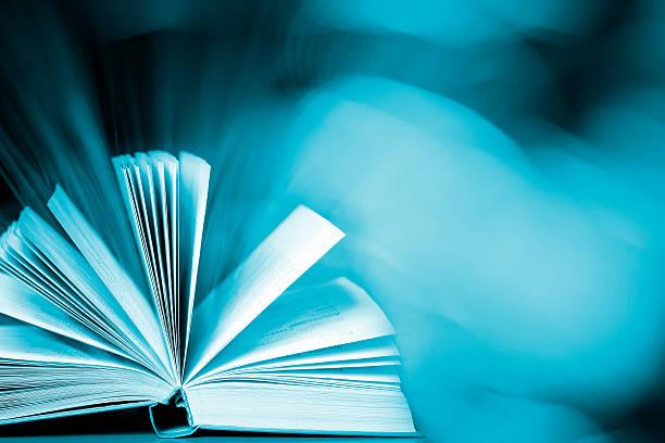 Livre magique Avec copyspace - Photo