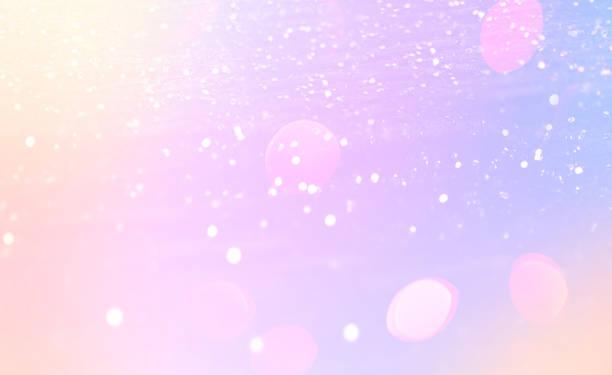 """magische leuchtenden hintergrund mit regenbogen-mesh. fantasy einhorn gradient hintergrund mit fee funkelt, verwischt, glitzernden lichtern und sternen """"n - neon partylebensmittel stock-fotos und bilder"""