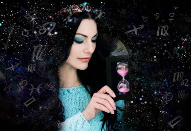 Magische Hexe und Tierkreis-Zeichen – Foto