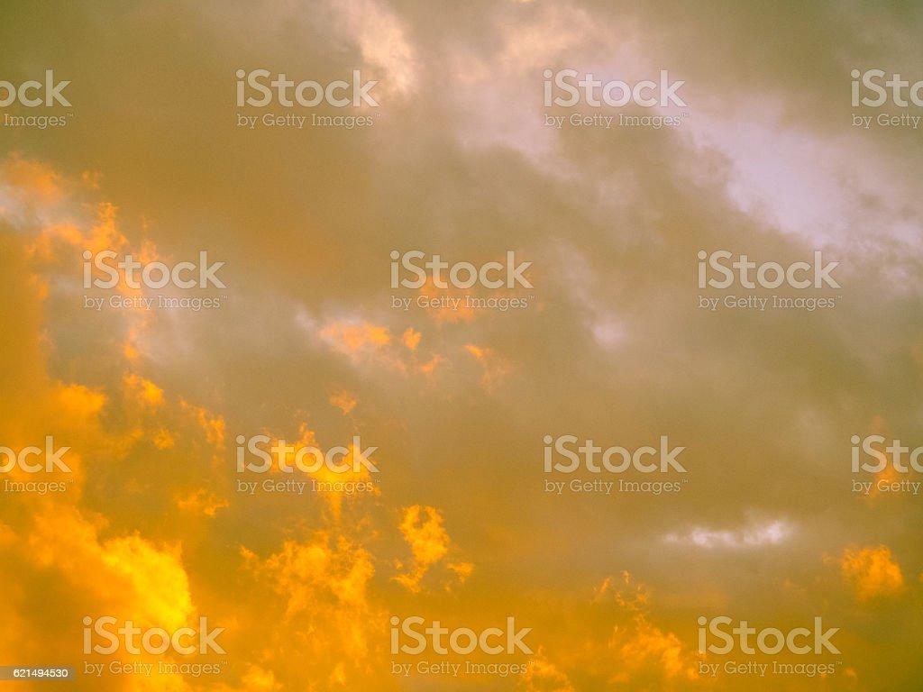 Magic yellow clouds above Belgrade in Serbia photo libre de droits