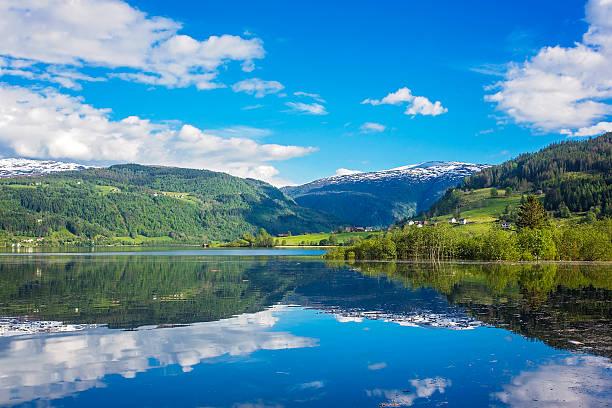 Magische Landschaft in Norwegen im Mai – Foto