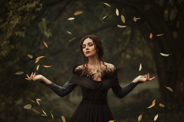 magische frau - gothic kleid stock-fotos und bilder