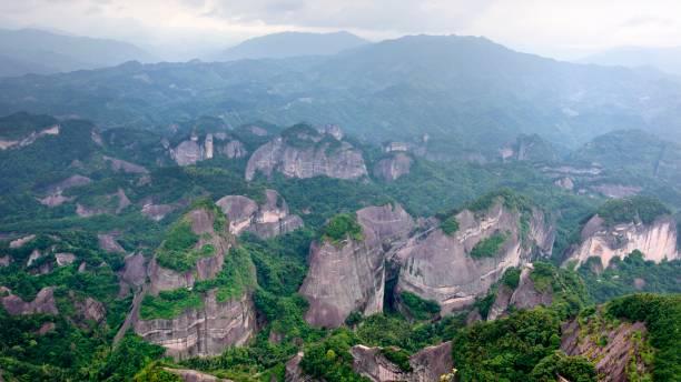 Prächtige Danxia Landformen und Berge – Foto