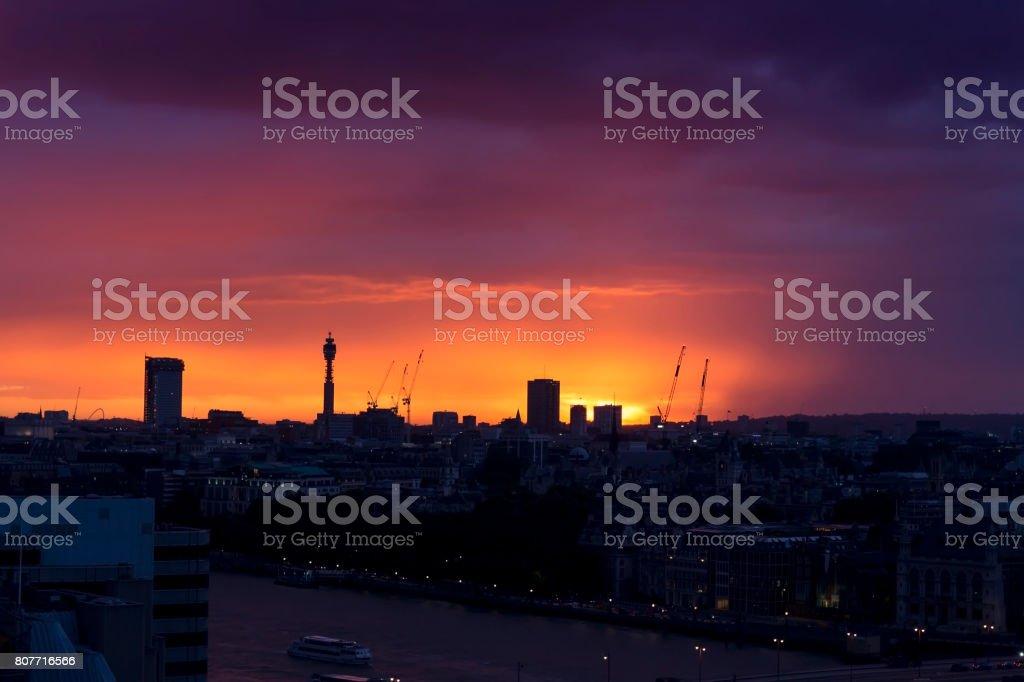 Magnifique orange sunset over London stock photo