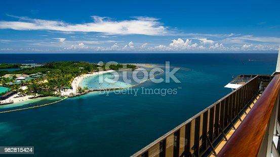 istock Mahogany Bay beach 982815424
