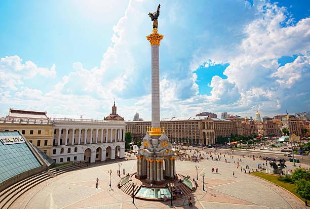 maïdan nézalejnosti (place de l'indépendance) - ukraine photos et images de collection