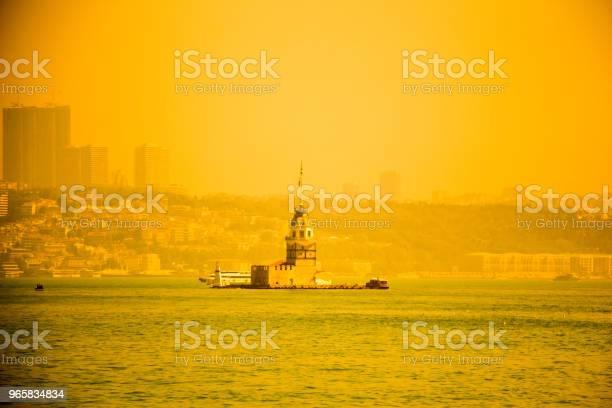 Maidens Tower Located In Istanbul - Fotografias de stock e mais imagens de Ao Ar Livre