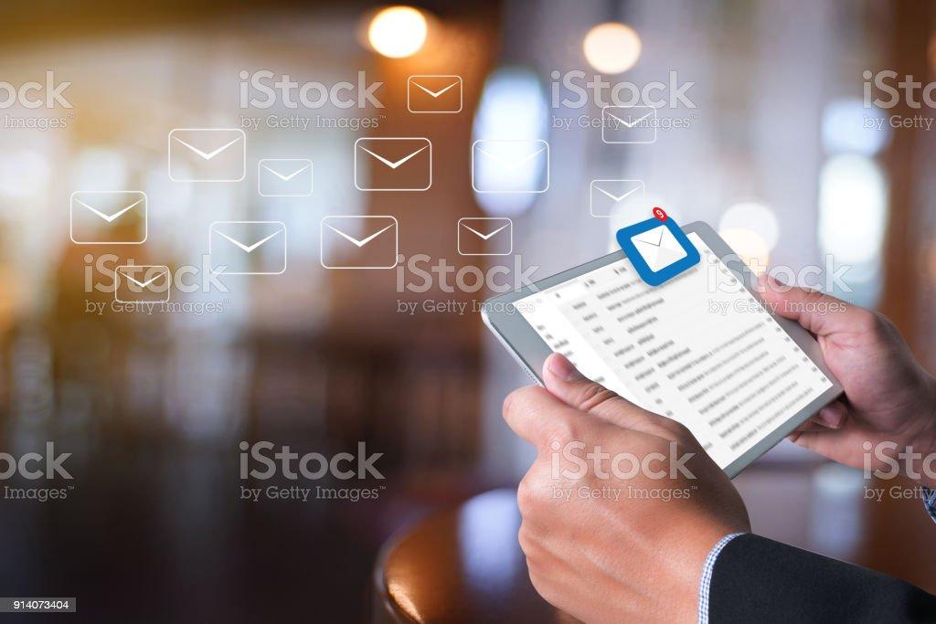 Kommunikationsverbindung Postnachricht an Mailing-Kontakte-Posteingang die ausstehende e-Mail-Kommunikation anzeigen - Lizenzfrei Abschicken Stock-Foto