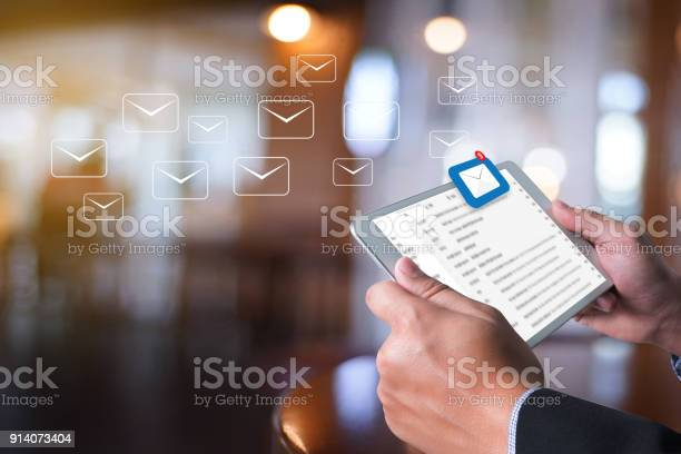 Mail communication connection message to mailing contacts inbox to picture id914073404?b=1&k=6&m=914073404&s=612x612&h=tprpggsyihvedrtbtgi6zammip97nxwczylljyuqjnk=