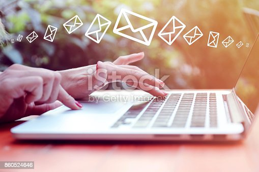 istock Mail 860524646