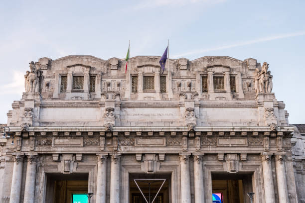 main building of  main railway station of the city of milan in italy - milan railway foto e immagini stock